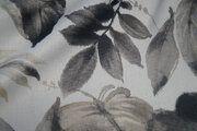 BM 6535501-0 Verduisterende gordijnstof bladeren grijs