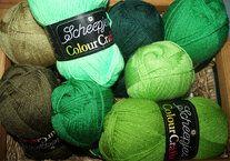 Colour Crafter brei- en haakgarens 8 bollen groentinten - Colour Crafter brei- en haakgarens 8 bollen groentinten