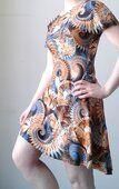 Getailleerde jurk zonder figuurnaden