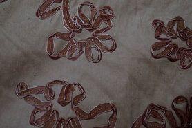 Ribcord und Velvet - R7 Rippe fein bestickt Girlande beige