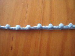Kugelband - Mini-Pomponborte hellblau