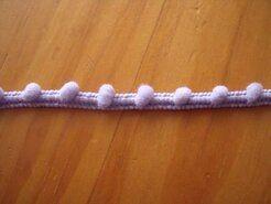 Kugelband - Mini-Pomponborte lila